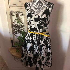 Elle floral print dress with yellow belt accent